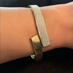 Jewelry - Cuff bangle